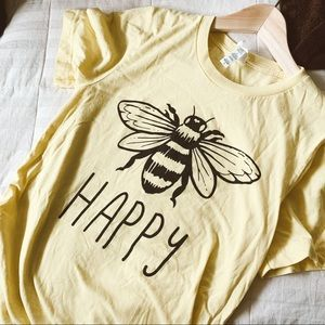 Be happy soft graphic tee